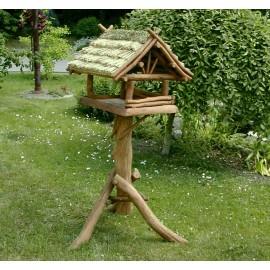 Dębowy karmnik dla dużych ptaków